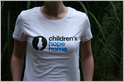 Frauen-T-Shirt children's hope home weiß